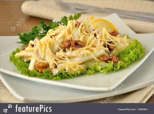 Рецепты салатов с яблоками и сыром, секреты