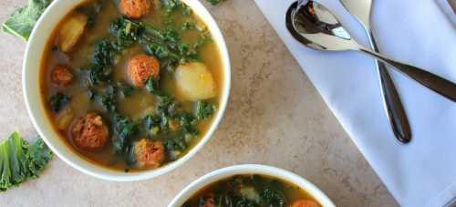 Картофельный суп с шампиньонами, курицей, вермишелью, рисом и фрикадельками