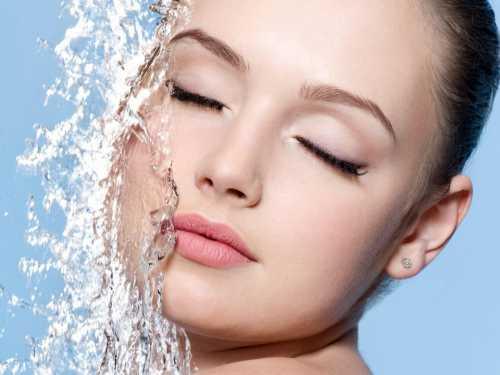 Как увлажнить обезвоженную кожу лица: ТОП