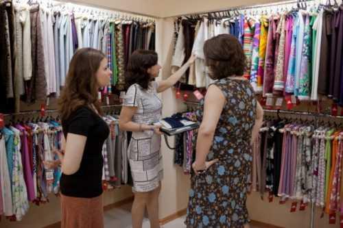 Как подобрать ткань для пошива платья