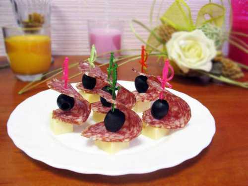 Рецепты канапе с сыром, секреты выбора
