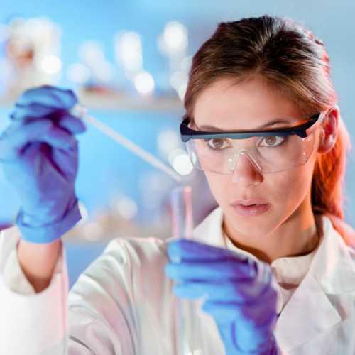 Ученые: привлекательные люди болеют значительно