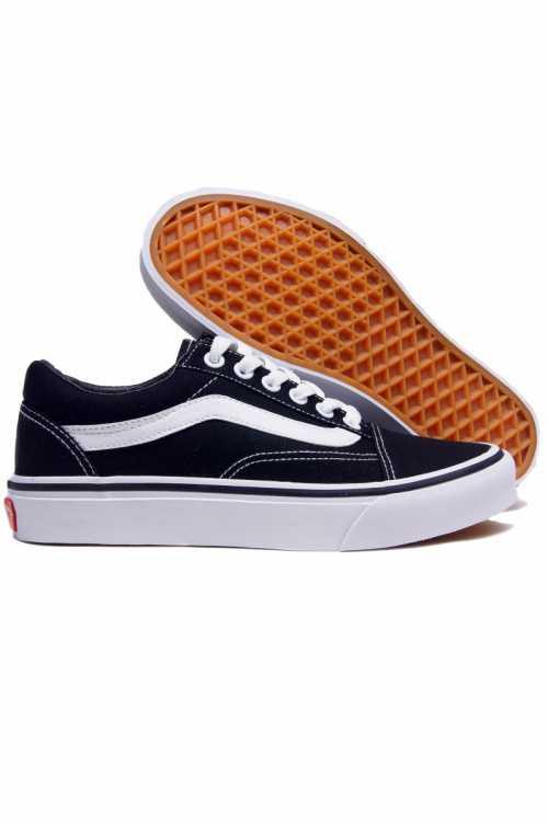 Модная женская обувь Vans