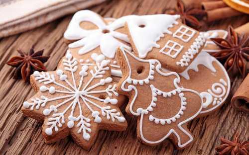 Новогоднее печенье с имбирем и корицей