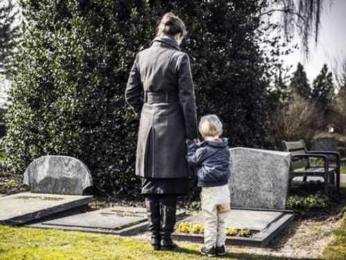 Можно ли брать детей на кладбище, опыт разных