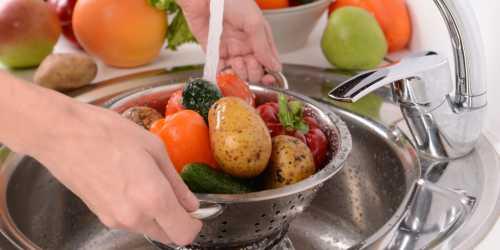 Как правильно мыть овощи: несколько полезных