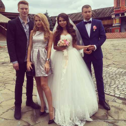 В Инстаграме появились фото со свадьбы Никиты Преснякова и Алены Красновой