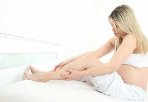 Почему сводит ноги при беременности, это проблема