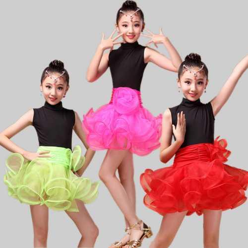Как подобрать детский костюм для танцев