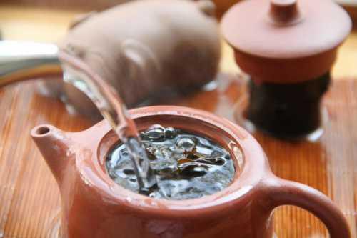 К чему снится чай: толкование сна про заваривание