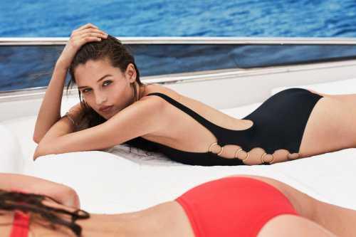В Сети появились фото новой рекламной кампании купальников  Solid&Striped 2017