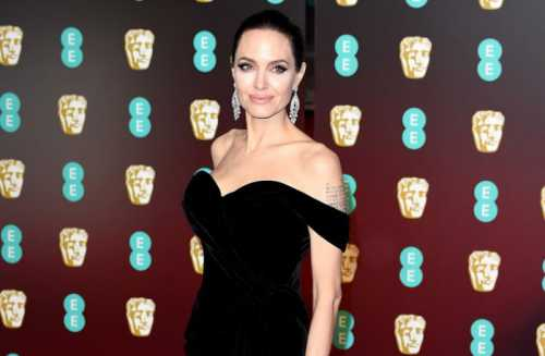 Русская Анджелина Джоли продемонстрировала свои таланты
