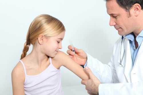 Профилактические прививки детям: аргументы сторонников