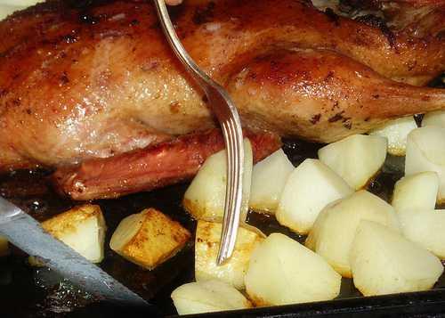 Давайте и мы приготовим утиные окорочка по мотивам французской кухни