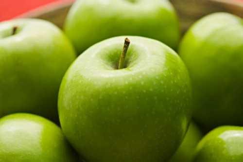 Ученые: всего лишь одно яблоко в день способно