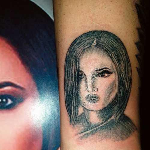 Бузова покрыла тело татуировками