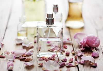Лучшие парфюмы, которые перебьют сигаретный запах