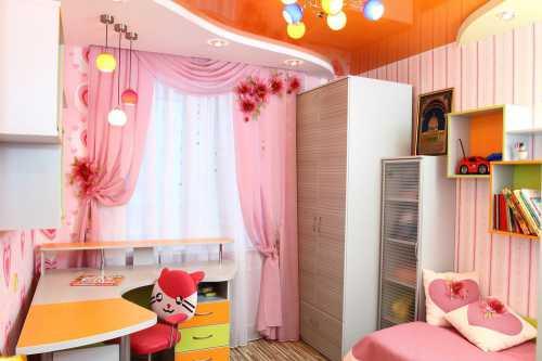 Шторы и портьеры в комнатах для девочек и мальчиков