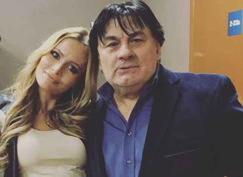 Александр Серов подарил деньги Дане Борисовой