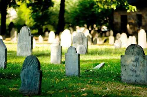 К чему снятся кладбище и могилы, оказаться на